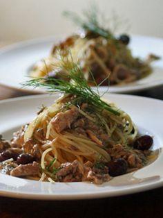 本当に便利なんです!時短&節約の「さば缶」絶品レシピ10選 - LOCARI(ロカリ) Japchae, Diet Recipes, Spaghetti, Food And Drink, Keto, Pasta, Cooking, Ethnic Recipes, Capellini
