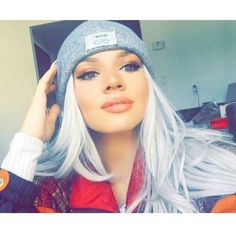 That gurl 😲😍😍 discovered by jenny ♡ on We Heart It Shirin David Style, Beauty Care, Hair Makeup, Make Up, Hair Styles, Pretty, Stars, Beanies, Youtubers