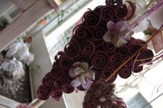 Valentine's Day could never do without hearts; Even those floral decorated! Hanging decorative carton heart for Valentine's Day | Created by JKa.