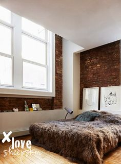 Méchant Design: brown sheepskin on your bed