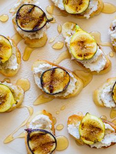 fig hazelnut and ricotta crostinis / spoon fork bacon.