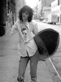 Joey-Ramone-Surfing-5.jpeg (639×858)
