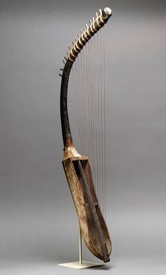 Harp, New Kingdom, late Dynasty 18, ca. 1390–1295 B.C.  Egyptian  Wood