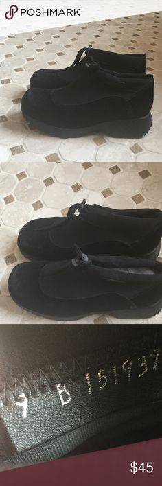 BOGNER Suede slip-on Booties, sz 40 / 9B Barely worn, BOGNER comfort.  Draw string closure, suede upper.  BLACK size 40---Note: Bottom of boot is marked sz. 40. Inside 9B.  I wear a 9 1/2 and they fit me great! Bogner Shoes Winter & Rain Boots