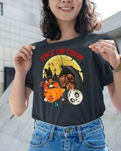 Dachshund TRICK OR TREAT - Charcoal Grey baby daschund dachshund puppies, long haired miniature dachshund, dachshund through the snow #dachshundsofnewyork #dachshundsappreciation #dachshundsofbrazil Long Haired Miniature Dachshund, Mini Dachshund, Daschund, Dachshund Puppies, Trick Or Treat, Funny Dachshund Pictures, Treats, Long Hair Styles, Puppy Love