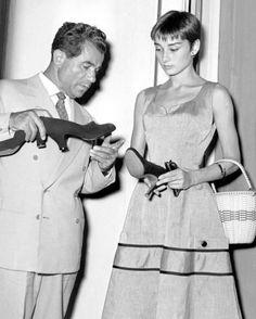 A young Audrey Hepburn with Italian shoe designer, Salvatore Ferragamo. ☀