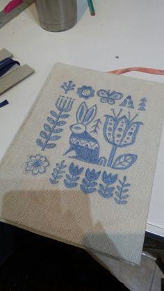 Cuaderno con bordado de tapa