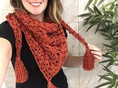 Chal Piquito - Missaquitos crochet Fashion, Shawl, Moda, Fashion Styles, Fashion Illustrations