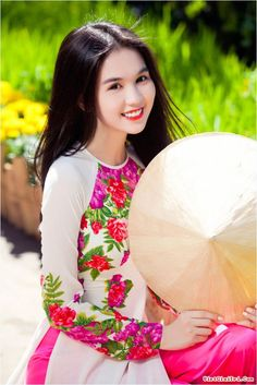 She has ever been recognized as queen of lingerie in Vietnam. undeniable she is so beautiful, guys?