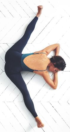 this yoga pose. Love this yoga pose. -Love this yoga pose. Yoga Inspiration, Fitness Inspiration, Motivation Inspiration, Yoga Beginners, Fitness Motivation, Fitness Goals, Health Fitness, Fitness Challenges, Fitness Sport