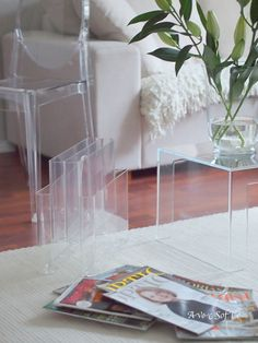 Transparent | Avec Sofié - blog/ #Kartell Victoria Ghost & Invisible Table & Magazine Rack
