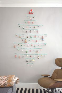 colorful idea, pale but powerful Crafty Challenge Wire Ornament Tree « thecraftysisters Recycled Christmas Tree, Hanging Christmas Tree, Noel Christmas, Christmas Tree Ornaments, Christmas Decorations, Ornament Tree, African Christmas, Wire Ornaments, Holiday Crafts