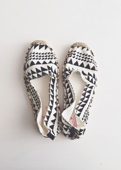 American Eagle Black and white espadrilles /// The A & B Stories