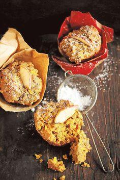 Tavallista muffinia terveellisempi ja vähemmän makea porkkana-omenamuffini on monen kahvilan suosittu aamiaisherkku.