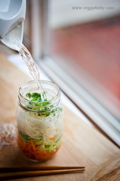 Amazing Things You Can Do With Mason Jars----DIY cup-I-mean-jar-of-noodles. This healthier version is detailed here.
