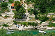 Apartment in the cove of Prihonja, near Vela Luka, island of Korčula, Croatia. 3* accommodation for up to 4 guests.