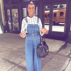 """(@sophiefontanel) auf Instagram: """"98 ans. Postée depuis Manhattan par @soraya_dayani. S'arranger le matin, dans les pays où on le…"""""""