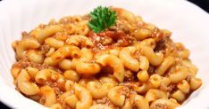 Le coin recettes de Jos: MACARONI À LA VIANDE DANS UNE SEULE CASSEROLE Sauce Spaghetti, Macaroni And Cheese, Food And Drink, Pizza, Nutrition, Ethnic Recipes, Risotto, Camping, Beef Macaroni
