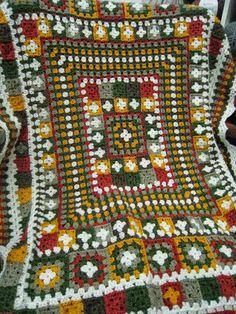 The Sun, by hand: Seeking early blankets Organizes a Workshop on The Sun Crochet Bedspread, Afghan Crochet Patterns, Crochet Granny, Stitch Patterns, Knit Crochet, Crochet Afghans, Granny Square Blanket, Granny Squares, Crochet For Beginners Blanket