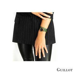 Be different, wear our green women luxury watch #guillotwatches #maisonguillot #timetochange #timetohavefun #timetobeyourself #wristwatch #doublestrap #watchforwomen #greenwatch #blackdial #greenstrap #goldpinkcase #green#black #goldpink #swissmade #savoirfaire #luxury #interchangeable #modular #fashionaccessory #parisian #elegance #watchaddict #borninparis Black Friday Shopping, Black Friday Deals, Business Look, Fashion Deals, Looking For Women, Parisian, Fashion Accessories, Watches, Elegant