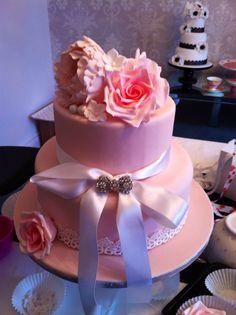 Summer wedding cake or bridal shower :)