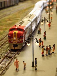 Track Layout Ideas for Your Model Train N Scale Model Trains, Model Train Layouts, Scale Models, Train Ho, Escala Ho, Hobby Trains, Central Station, Model Building, Planer
