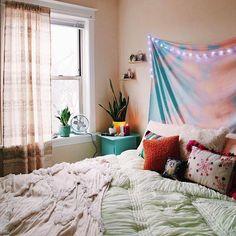 Today's dream room courtesy of @UOChicago. #UOHome #UOonCampus @barbie_roadkill