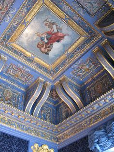 Chiswick House, London - Ceiling of the Blue Velvet Room - painted in imitation of mosaic. Exquisite example of gilding. Ceiling Art, Home Ceiling, Ceiling Design, Ceiling Detail, Velvet Room, Blue Velvet, Art And Architecture, Architecture Details, English Architecture