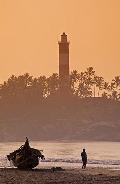 Lighthouse Beach at Sunrise in Kovalam_ India