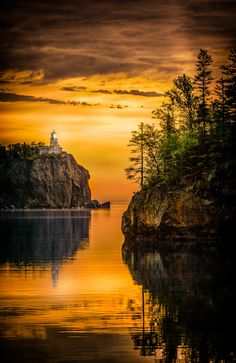 Split Rock Lighthouse, Lake Superior near Beaver Bay, Minnesota. Completed in 1910, has been dark since 1969 except for an annual lighting on November 10 to commemorate sailors lost in Great Lakes shipwrecks.