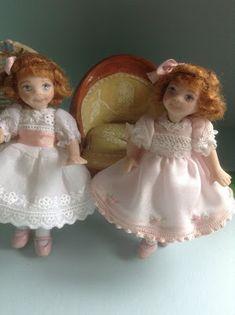 Pilar Calle Dollhouses Miniaturas: HERMANAS GEMELAS,  TWINS GIRLS
