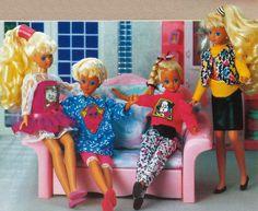 Pet clothes for Skipper & Courtney (detail). Barbie 80s, Barbie Vintage, Barbie Dolls, Image Nice, Barbie Family, Pet Clothes, Fashion Dolls, Childhood, Fancy