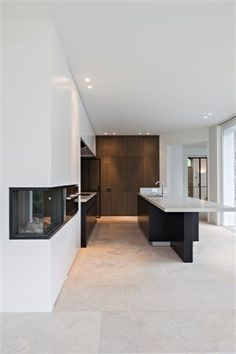 Nice Tile Flooring with White Granite Countertop Travertine Floors, Stone Flooring, Living Room Flooring, Kitchen Flooring, Küchen Design, Interior Design, Kitchen Interior, Living Room Designs, New Homes