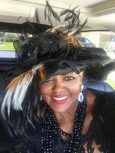 The perfect funeral hat 💋