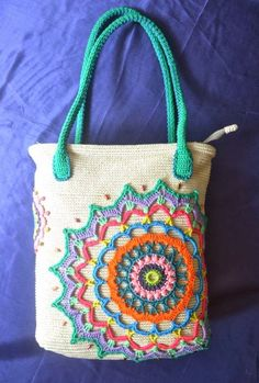 Sidney Craft: Bag Mandala - no pattern but great idea! The handles are crocheted around rope.* ༺✿ƬⱤღ  http://www.pinterest.com/teretegui/✿༻
