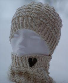 G-Anette's Kreativiteter: Strikket sett og sjarm-penal Easy Yarn Crafts, Diy Crafts Knitting, Crochet Crafts, Knitting Projects, Diy And Crafts, Knit Crochet, Textiles, Handmade Crafts, Mittens