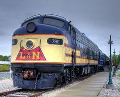 Louisville & Nashville EMD E8A at Bowling Green Kentucky Railroad Museum.