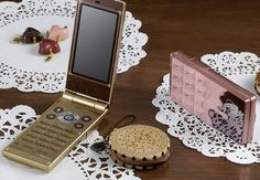 Docomo STYLE Series Featuring Magic Illumination, Perfume Holder and Chocolate-Like Design - Ladies' Gadgets My Moon And Stars, Cricket Wireless, Boujee Aesthetic, Flip Phones, Old Phone, Cute Japanese, Nintendo Consoles, Girly Things, Bracelet Watch