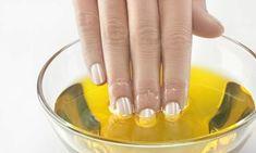 Como fortalecer unhas fracas com azeite de oliva morno