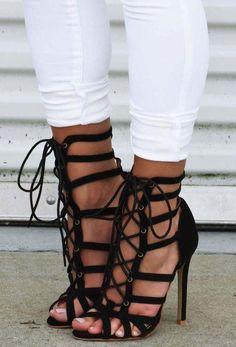 Strappy sandals black