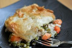 Chicken pot pie with Phyllo dough Pre Cooked Chicken, Rotisserie Chicken, Chicken Pot Pie Recipe Puff Pastry, Philo Dough, La Tourtiere, Cooking Recipes, Healthy Recipes, Easy Recipes, Cooking Videos