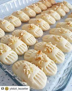 "Instagram'da LEZZETLERİM: ""@yildizli_lezzetler ・・・ ÇATAL KURABİYE 150 gr tereyag 1 yumurta Yarim cay bardigi sıvı yağ 1 su bardigi pudra sekeri 1 cay bardagi…"" Soup Recipes, Dessert Recipes, Cooking Recipes, Desserts, Turkey Cake, Biscotti Cookies, Turkish Recipes, Food Crafts, Other Recipes"