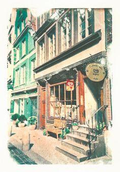 'Hamburg+Deichstrasse+Kramladen'+von+liga-visuell+bei+artflakes.com+als+Poster+oder+Kunstdruck+$17.33