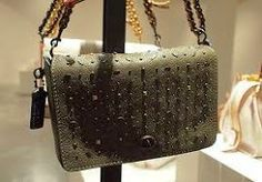 Here's Your First Look at Coach's Pre-Fall 2016 Bags Source by bags Coach Handbags, Coach Purses, Early Fall Outfits, Spring Outfits, Winter Outfits, Coach Bags Outlet, Bags 2015, Pink Watch, Day Bag