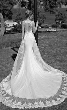 5 Rocking International Wedding Dress Designers - Wedding Party