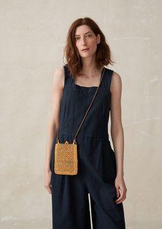 38 Trendy Ideas for crochet bag leather inspiration Crochet Toddler Dress, Crochet Top Outfit, Crochet For Kids, Diy Crochet Bikini, Cord Trousers, Hood Girls, Bow Bag, Pouch Bag, Bago