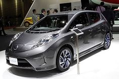 Nissan used the Tokyo Motor Show to debut its new Leaf Aero Style, which adds a body kit to the electric hatchback. Best Hybrid Cars, Tokyo Motor Show, Nissan Leaf, Diesel Cars, Automotive Design, Electric Cars, Car Insurance, New Movies, Sport Cars