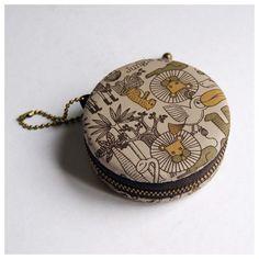 7.5cm Macaron Coin Purse / Jewelry Box / Earphone Case - Zoo