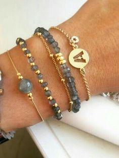 How to Make Cool Bracelets - 8 Quick & Easy Sample for Beginners Dainty Bracelets, Gemstone Bracelets, Handmade Bracelets, Jewelry Bracelets, Cute Jewelry, Jewelry Crafts, Beaded Jewelry, Jewelry Accessories, Jewelry Design