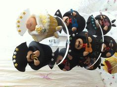 Mexican bride and groom cupcakes
